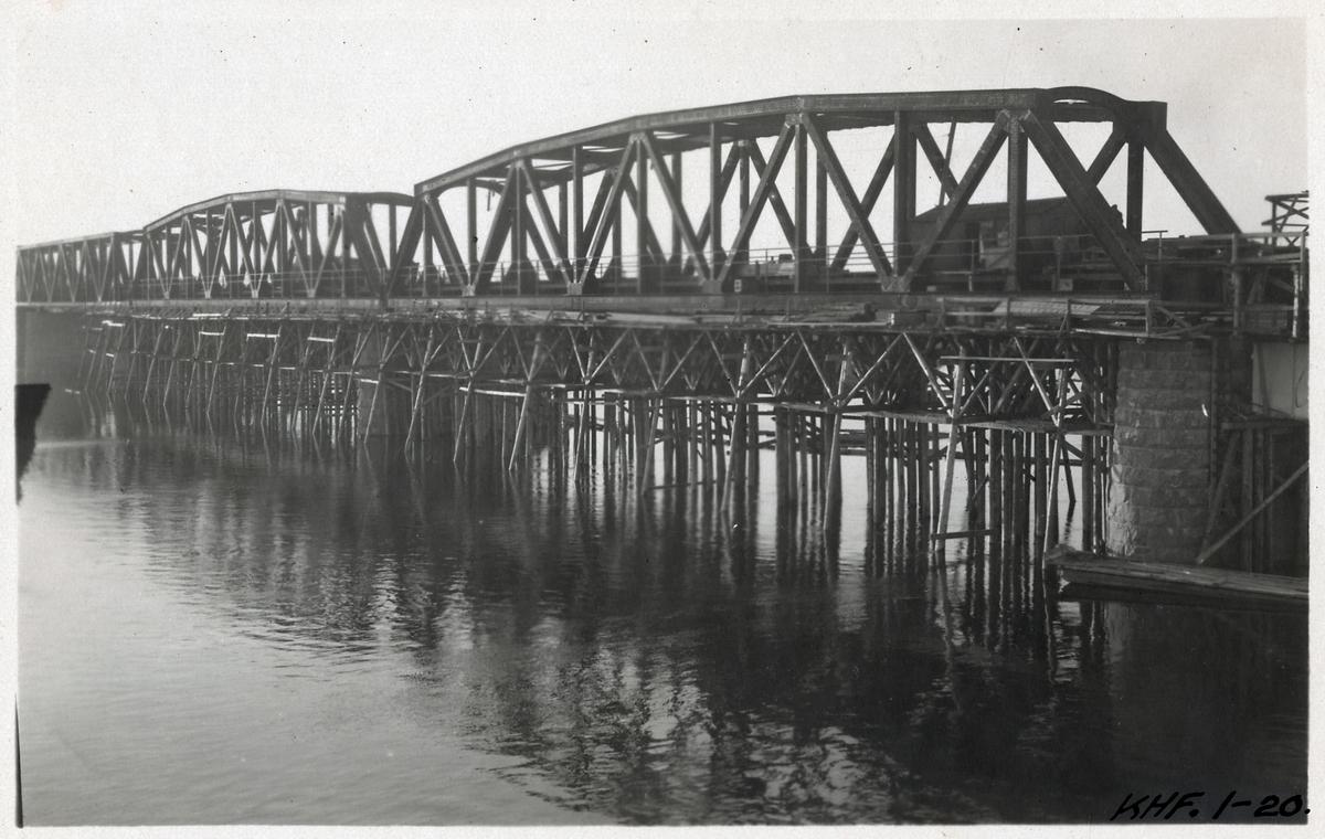 Svängbro över Torne älv. På linjen mellan Haparanda - Torneå.