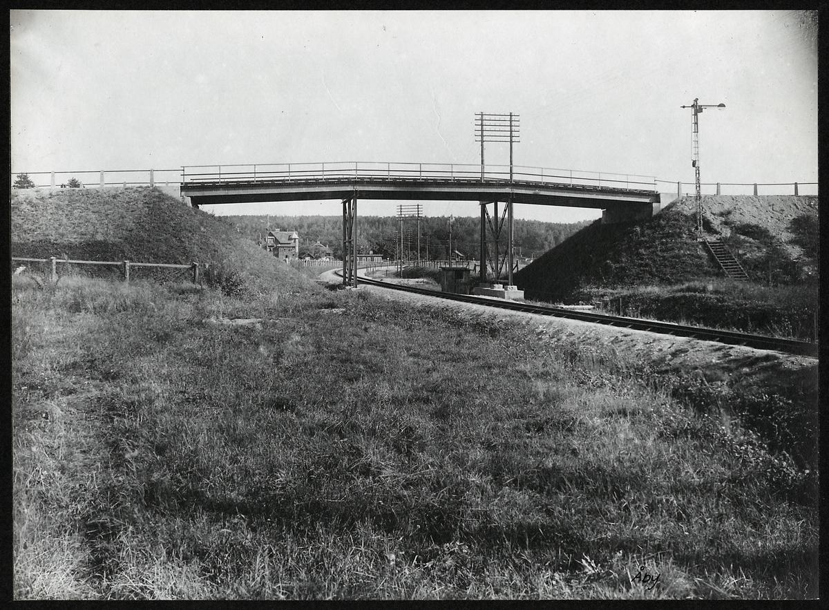 Vägbro vid Åby. På linjen mellan Katrineholm - Norrköping.