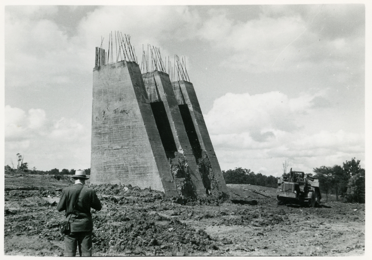 Fundament för pågående brobygge. Bilder från Bantekniska kontorets studieresa i USA.