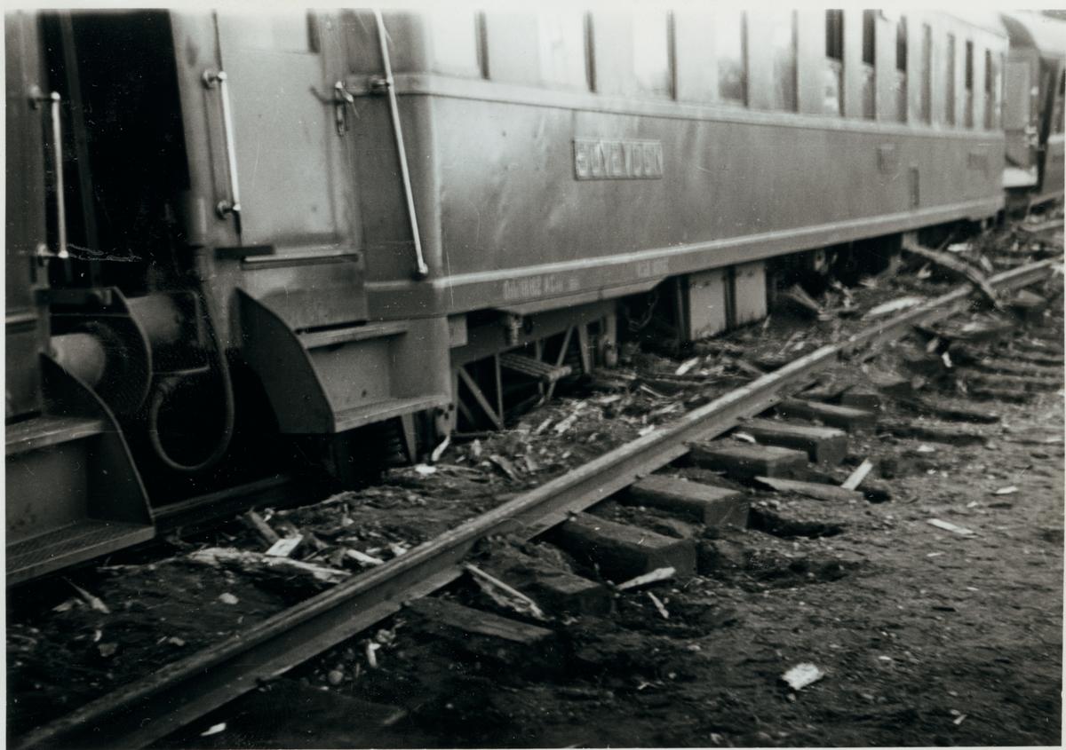 Olyckan i Pålsboda 1951. Urspårad Norges Statsbaner, NSB sovvagn.