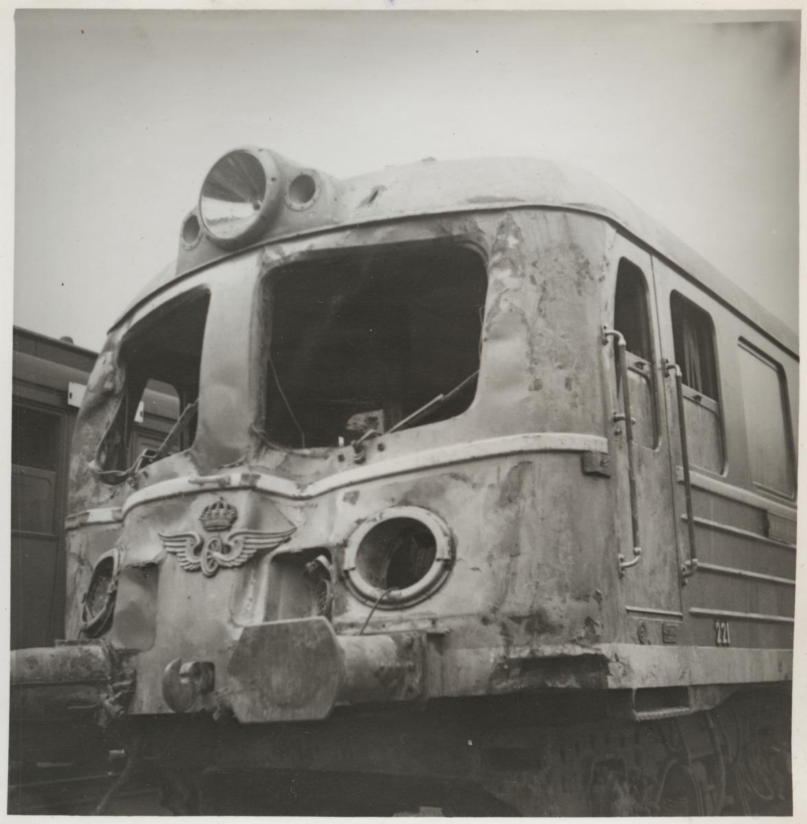 Statens Järnvägar, SJ Xoa5 221 skador efter olycka vid hållplats Arket 1951.