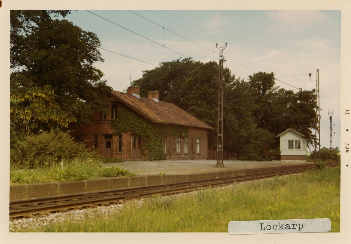 Lockarp station 1971. Malmö - Kontinentens Järnväg, MkontJ. Stationen öppnades 1898 och lades ner 1967. Banan elektrifierades 1933.