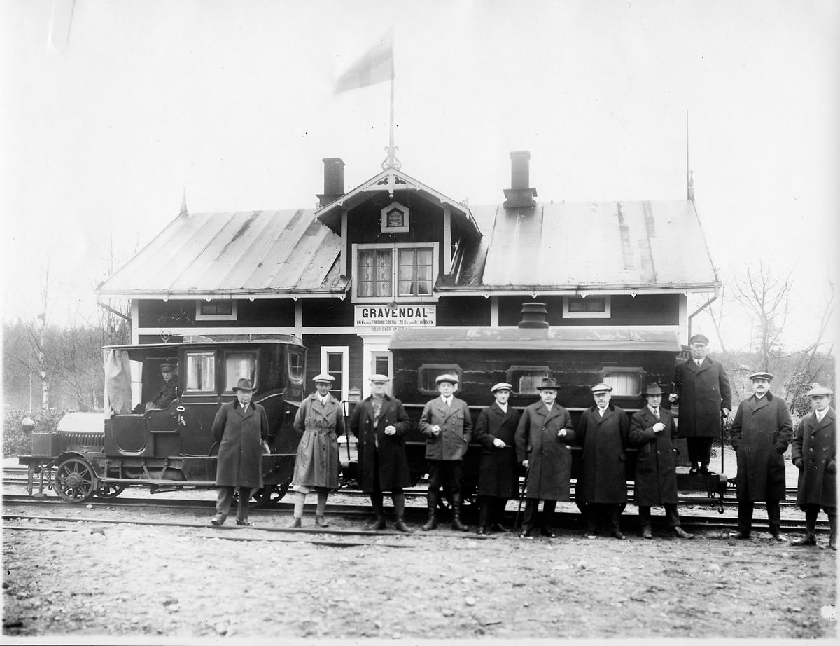 Gravendal station, bild från byggandet av järnvägslinjen Hällefors - Gravendal.