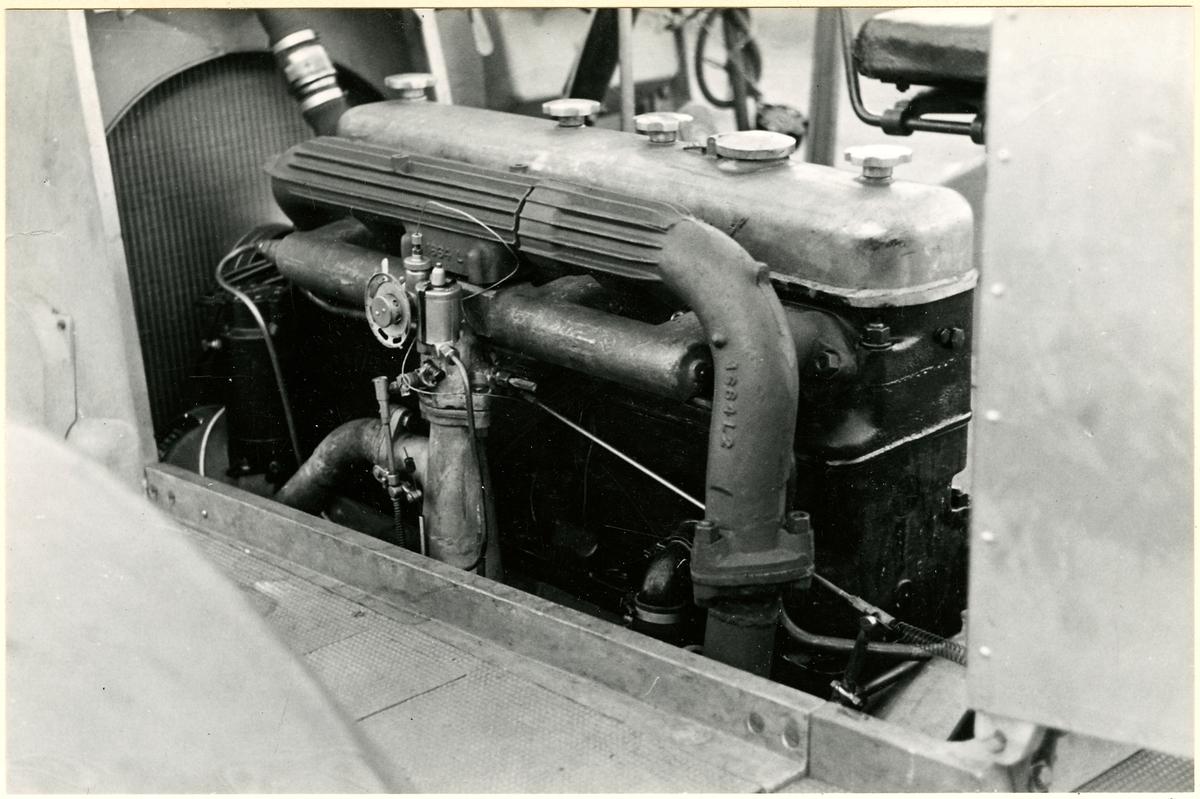 Detaljbild av motorrummet.