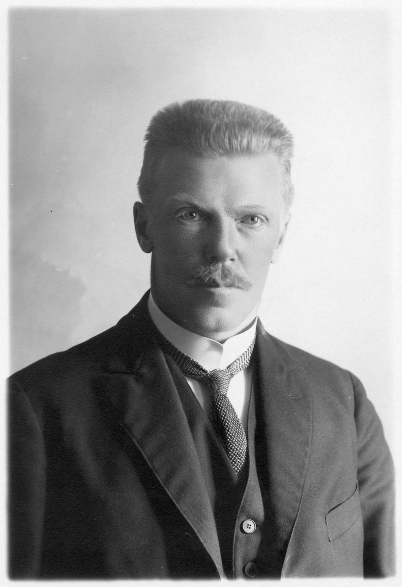 Ivar Svensson, stins i Vännäs 1929-1941.