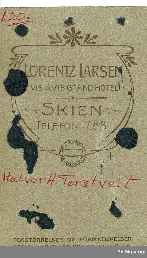 Portrettfoto av Halvor H. Torstveit