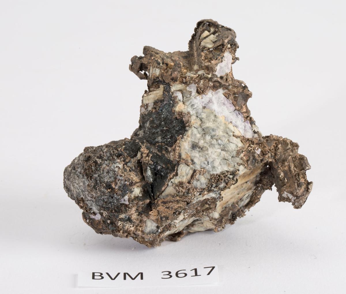 Fyllingssølv i kalsitt, med sinkblende og blyglans Gottes Hülfe gruve, Nordlige gang nr. 1, 320 m Vekt: 455,97 g