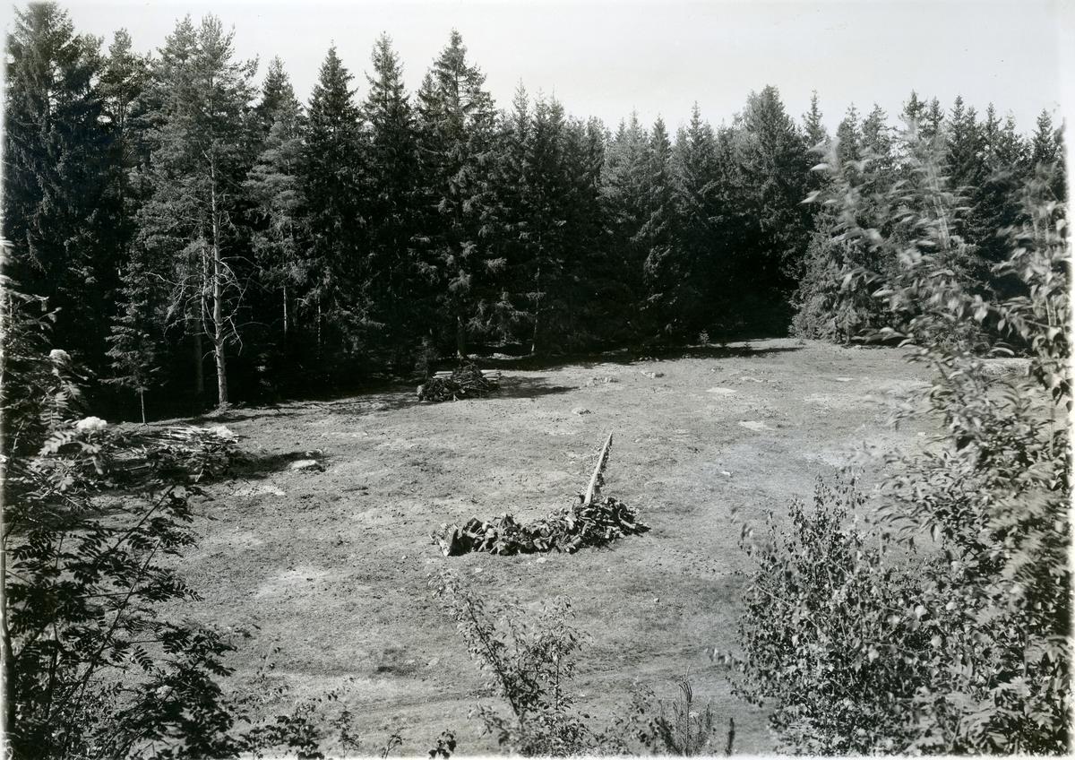 Badelunda sn, Anundshögsområdet, Långby. Skeppssättning IV, det västra skeppet, före renoveringen. 1933.