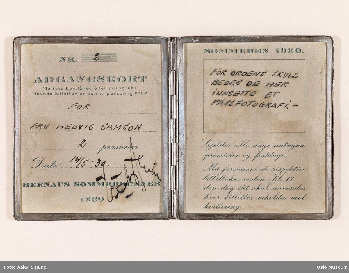 Sølvetui med adgangskort til Bernaus Sommerscener 1930 - CASINO - DET NYE TEATER - CIRKUS VERDENSTEATER