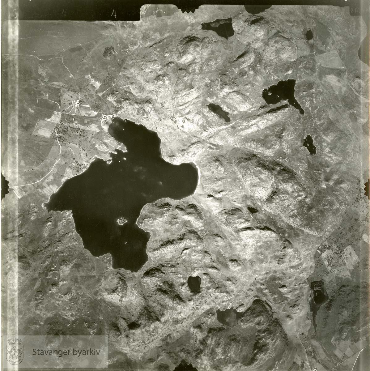 Jfr. kart/fotoplan I5/644..Ålgård, Flassavatnet, Blikafjellet, Vassnutana..Se ByStW_Uca_002 (kan lastes ned under fanen for kart på Stavangerbilder)
