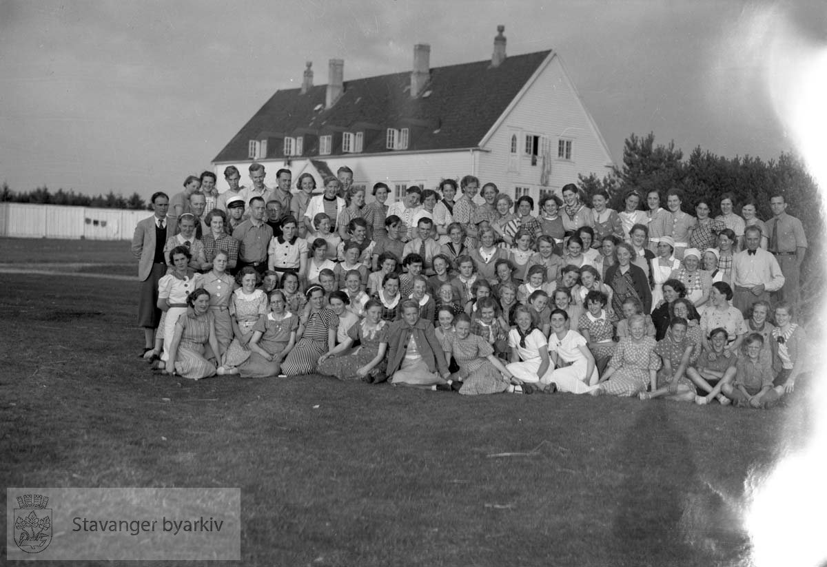 Stor gruppe på Nærland