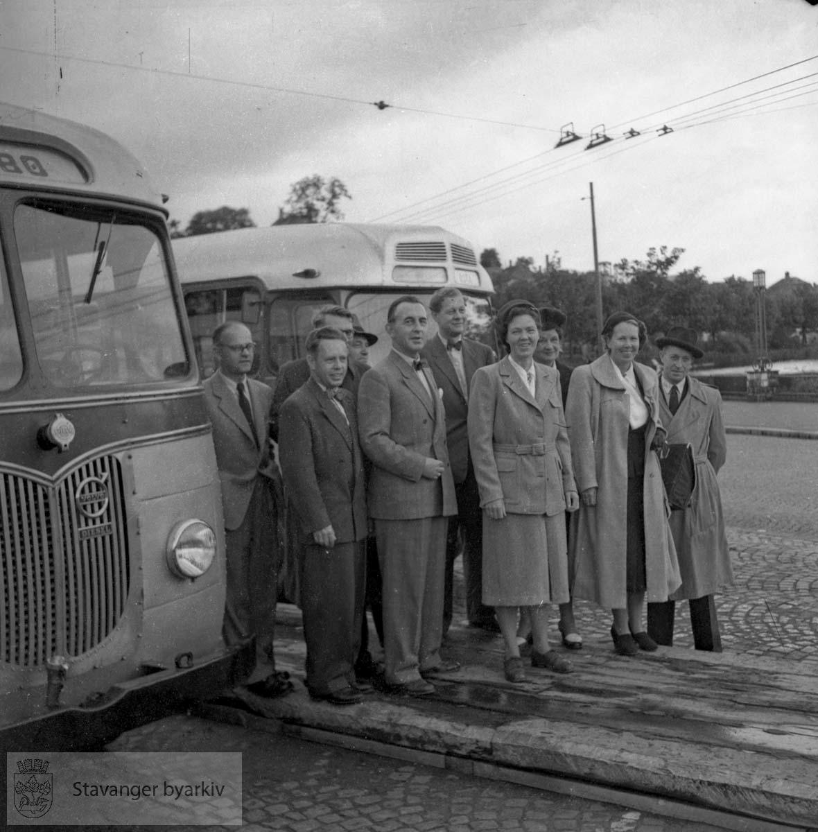 Per Thomsen foran til venstre (med sløyfe)