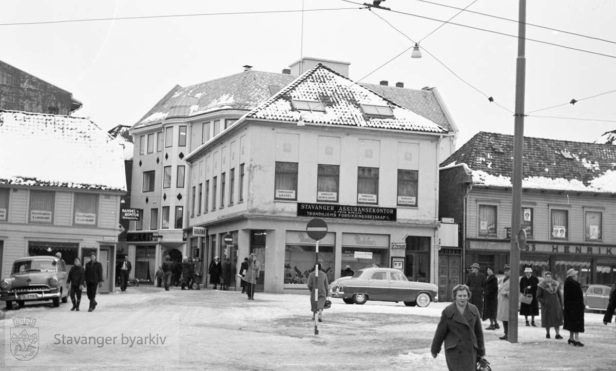 Fra venstre: Kirkegata 2, 3, 1 og Laugmanssgata 2.