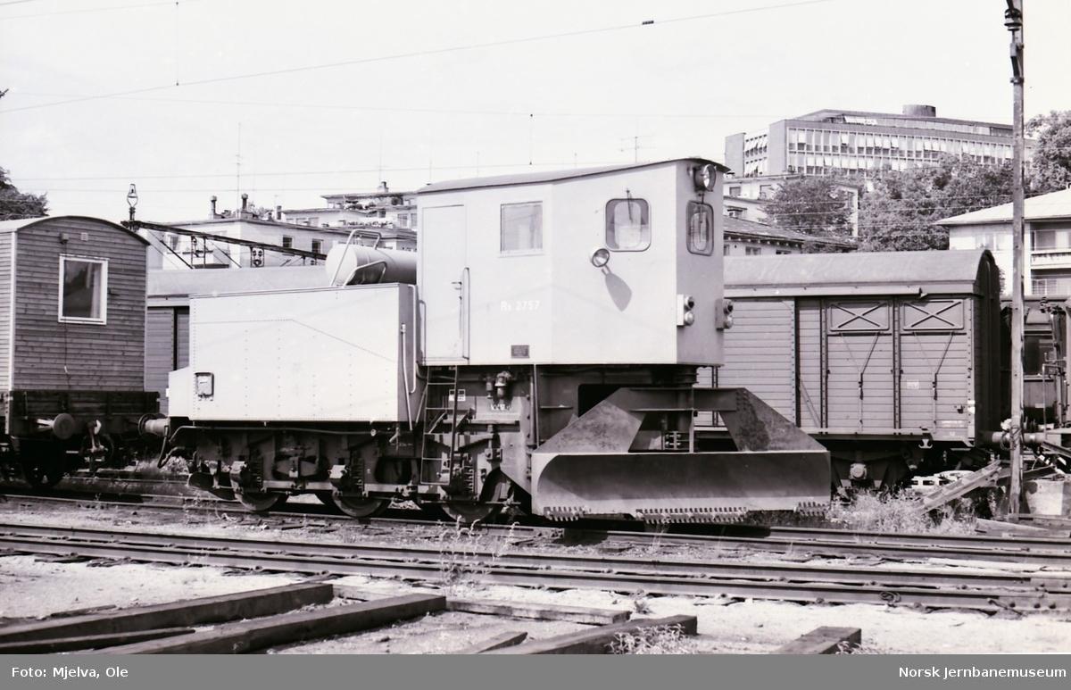 Drammenbanens tyskbygde Klima-snøplog som kom til Norge under 2. verdenskrig. Ble i 1964 ombygget til sporrenser for dobbeltspor og gitt nr 2757, litra Rs, senere Xs.