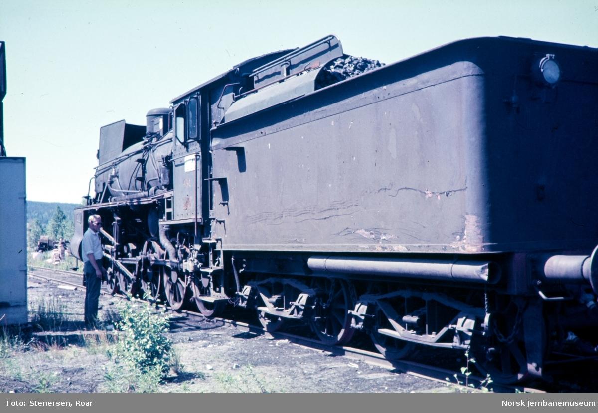 Utrangert damplokomotiv type 26c nr. 434 på Kongsvinger stasjon.