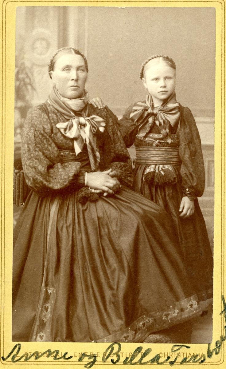 Parbilete av Anne og Bella Gundersen, reiste seinare til USA