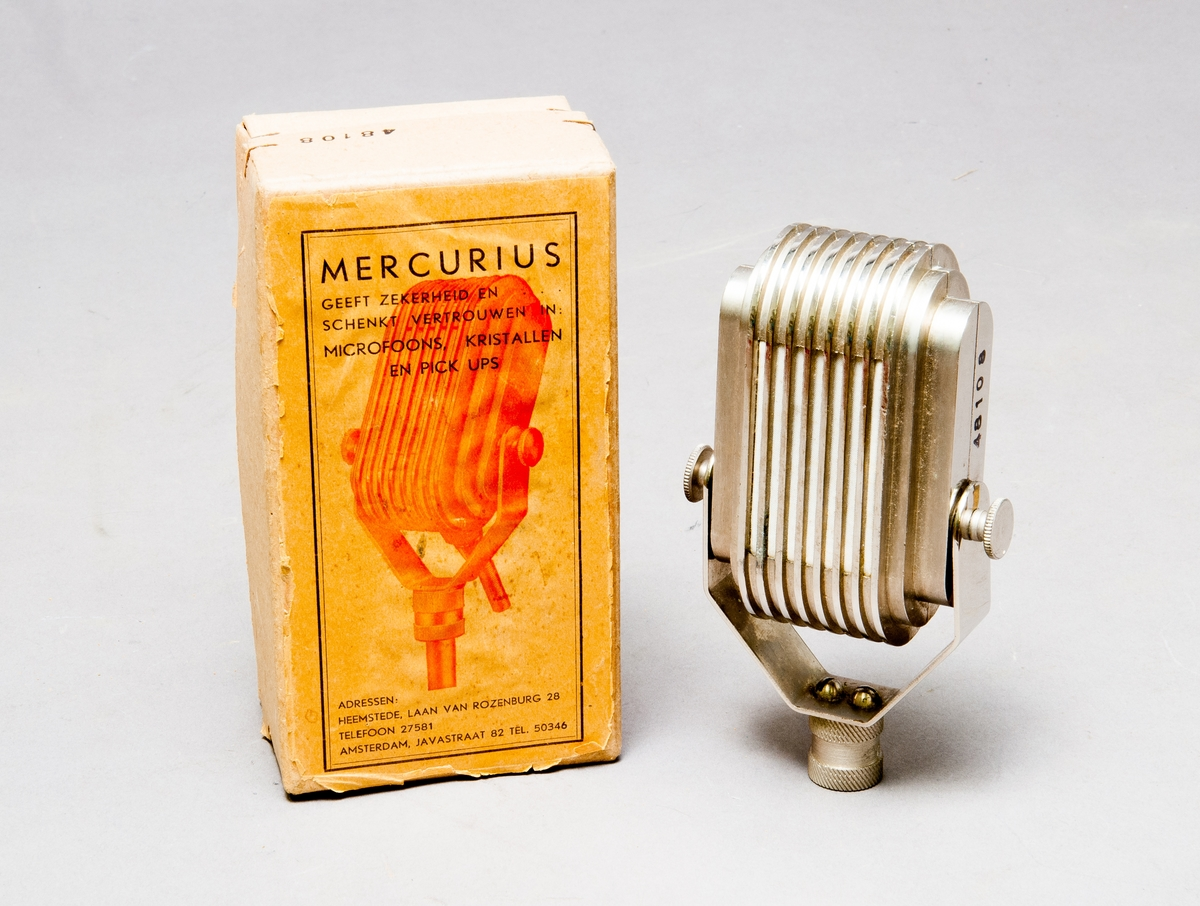 Mikrofon i originalkartong.