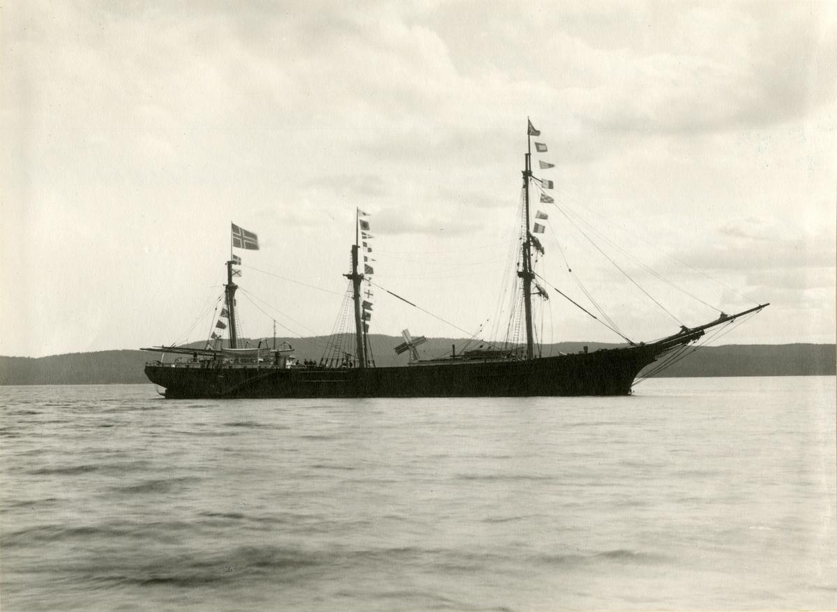 Bark 'Fjord' (ex Leading Wind)(b.1874, Goss & Sawyer, Bath, Maine, USA)