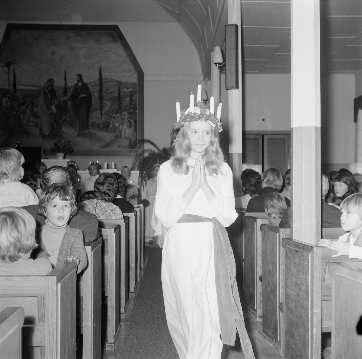 Missionskyrkan, luciafirande, Tierp, Uppland, december 1971
