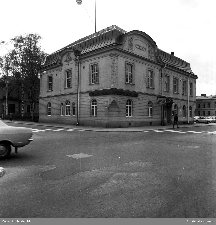 Odd Fellow-huset med Restaurang Esplanad i hörnet av Esplanaden och Köpmangatan.