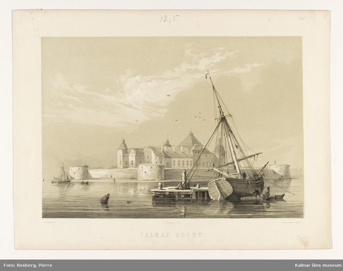 Motiv med kölhalning av en slup framför Kalmar slott.