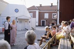 Marcus Olsson och Marit Deubler i en scen ur Gideon Wahlberg