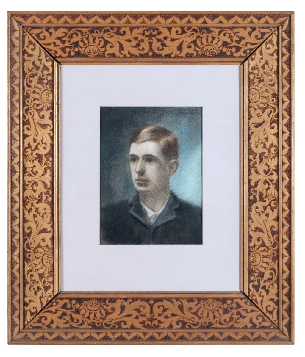 Pastell av Eugène Jansson. Porträtt av konstnärens bror Adrian. Pastellen har varit monterad i ram märkt GM 11092. Senare monterad i svart slät ram.