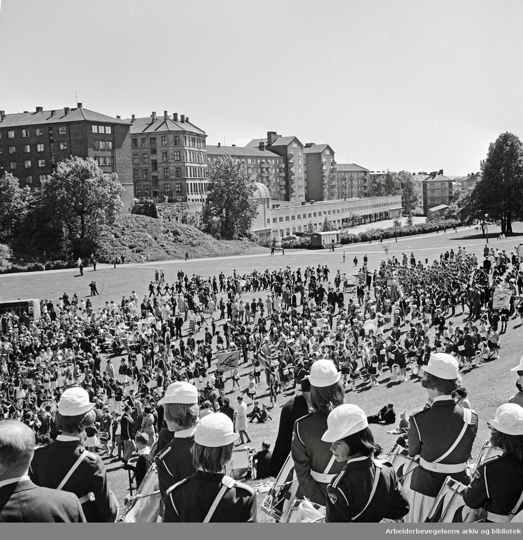 Sagene skoles musikkorps arrangerer musikkstevne i Ila-dalen. 11.06.1967.