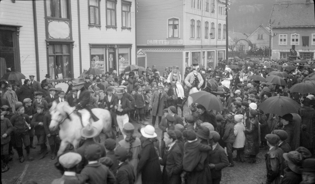 17. mai-tog i Johan Feyers gate i Egersund
