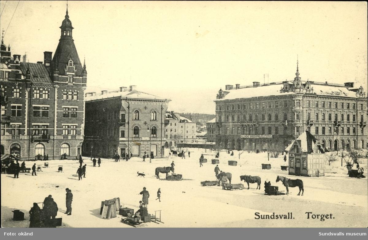 Vykort över Stora torget i Sundsvall.