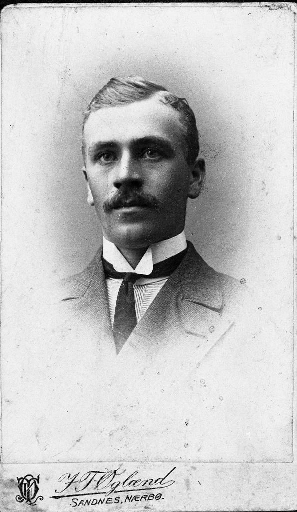 Reinert Kverneland (1893 - 1967), handelsmann. Sjå ogå 1988.5TIM.4.014