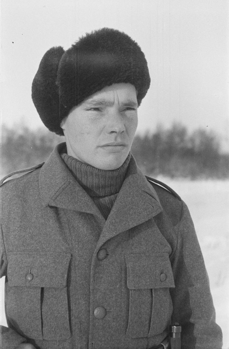 Porträttfoto av Hannes Lantto, finsk frivillig under finska vinterkriget. Bild från F 19, Svenska frivilligkåren i Finland, 1940.