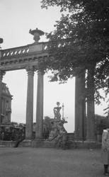 Motiv: Utlandet, Berlins Omgivningar 157 - 177 ; En skulptu
