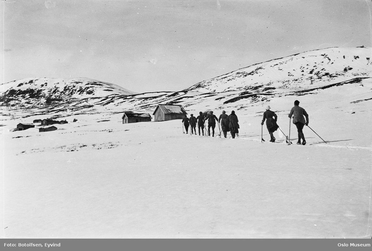 påskeferie, høyfjell, skitur, menn, kvinner, hytter, snø