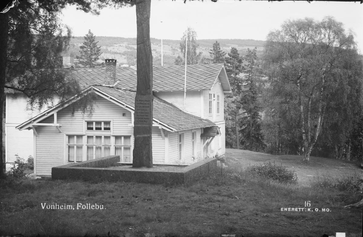 Prospektkort: Østre Gausdal, Follebu. Vonheim sett fra baksiden av bautaen til Per Bø.