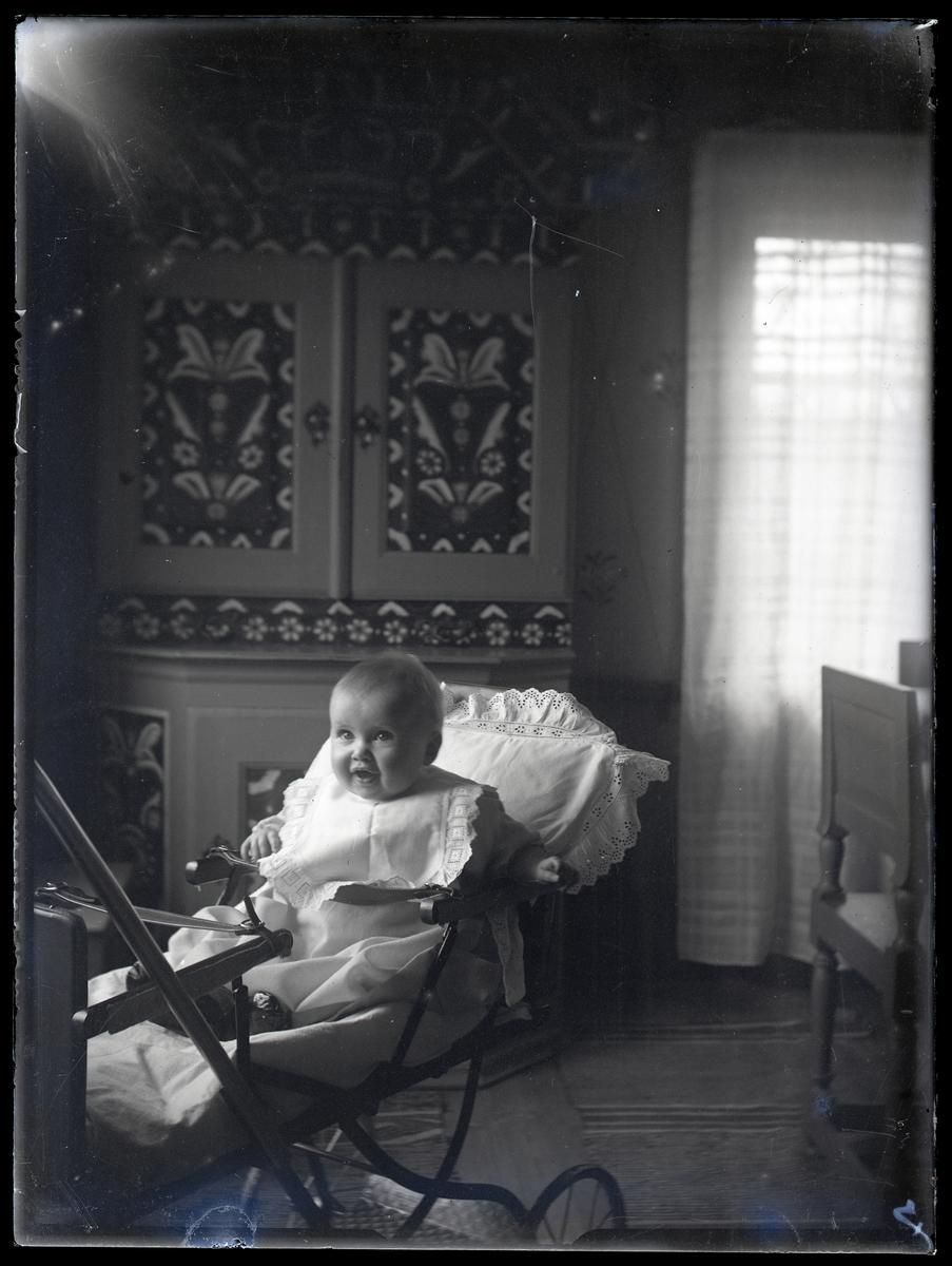 Lill-Anna i Gammelrummet, Olsbenning.