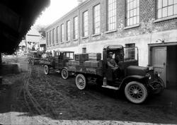 Hønefoss bryggeri ble stiftet i 1854. Bryggeribiler