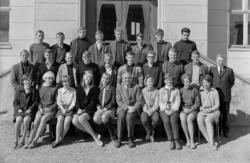 Hamar Katedralskole KL. 3RD 1967-1968. Elever og lærer.  rek