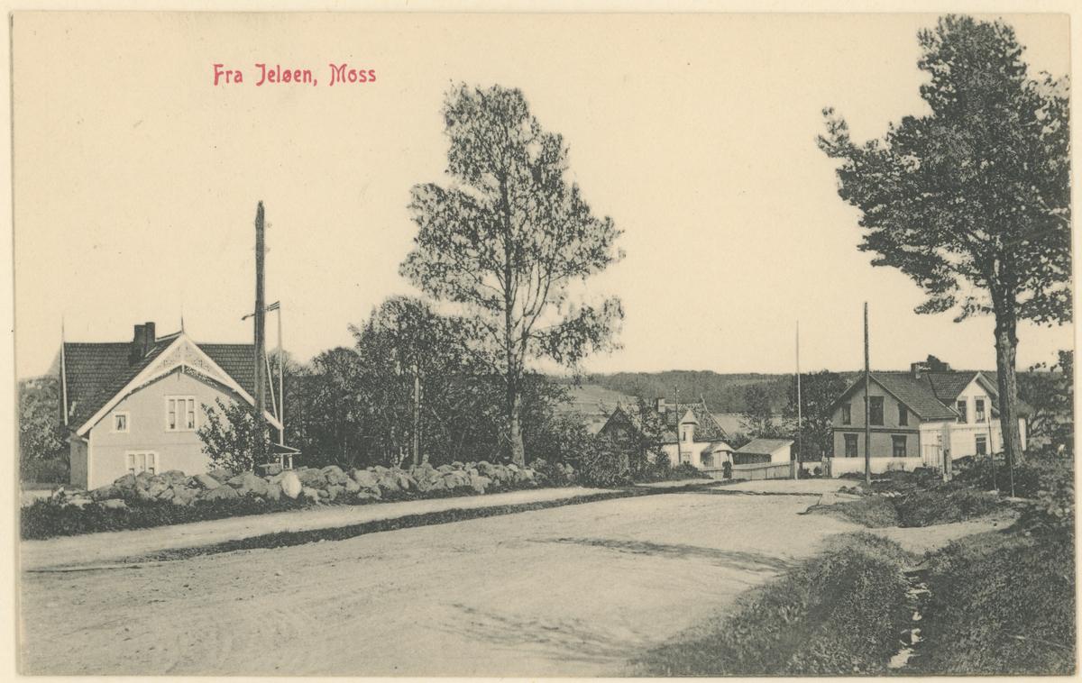 """Helgerødgt.,  div. bilder, ca. 1915.  Bilde 1: Postkort. Mot øst, hjørnet mot Øisteins gt. Tekst på bildet: """"Moss, Helgerödgaten"""".  Bilde 2: Vinter, mot vest. Midt på bildet ses """"Sneplogen"""" eller """"Strykejernet"""", bygget i 1902 (Oscar Hansen). Publ. i """"Moss som den var"""" (Jørgen Herman Vogt, 1970), s. 220.  Bilde 3-4: Mot syd. To kopier av samme bilde. Tekst på bildet: """"Fra Jelöen, Moss""""."""