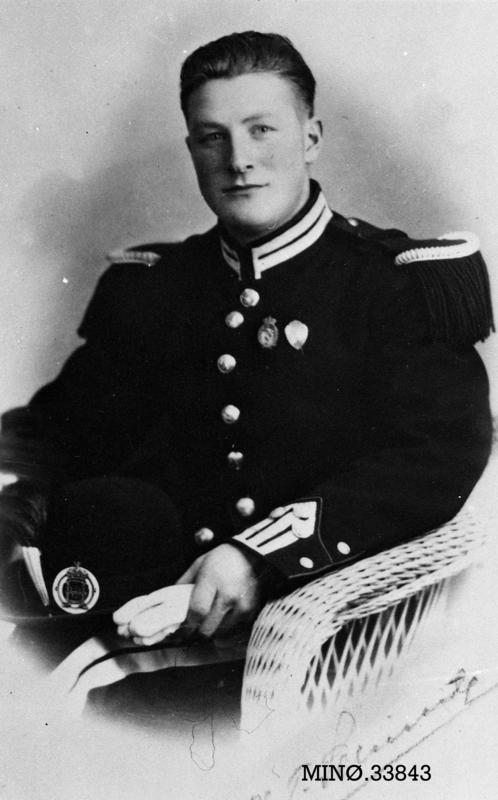 Folldølen Peter Barstad var mobilisert og deltok i de norske styrkene i Østerdalen i aprildagene 1940. Han var med blant de avdelingene som under retretten tok veien nordover Sollia. 24. april var han med på snøbrøyting i Atnsjølia, og der vart han truffet av ei mitraljøsekule fra et tysk fly og mista livet, vel 23 år gammel. Foto: Anno Musea i Nord-Østerdalen, 33843