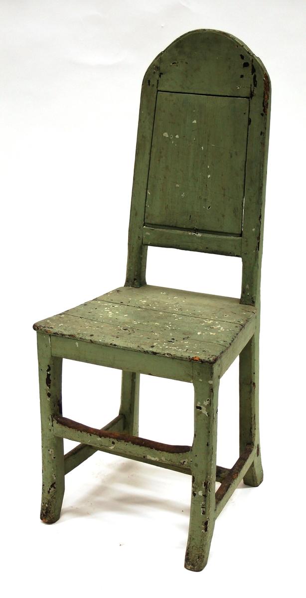 Stol. Furu. Grönmålad.