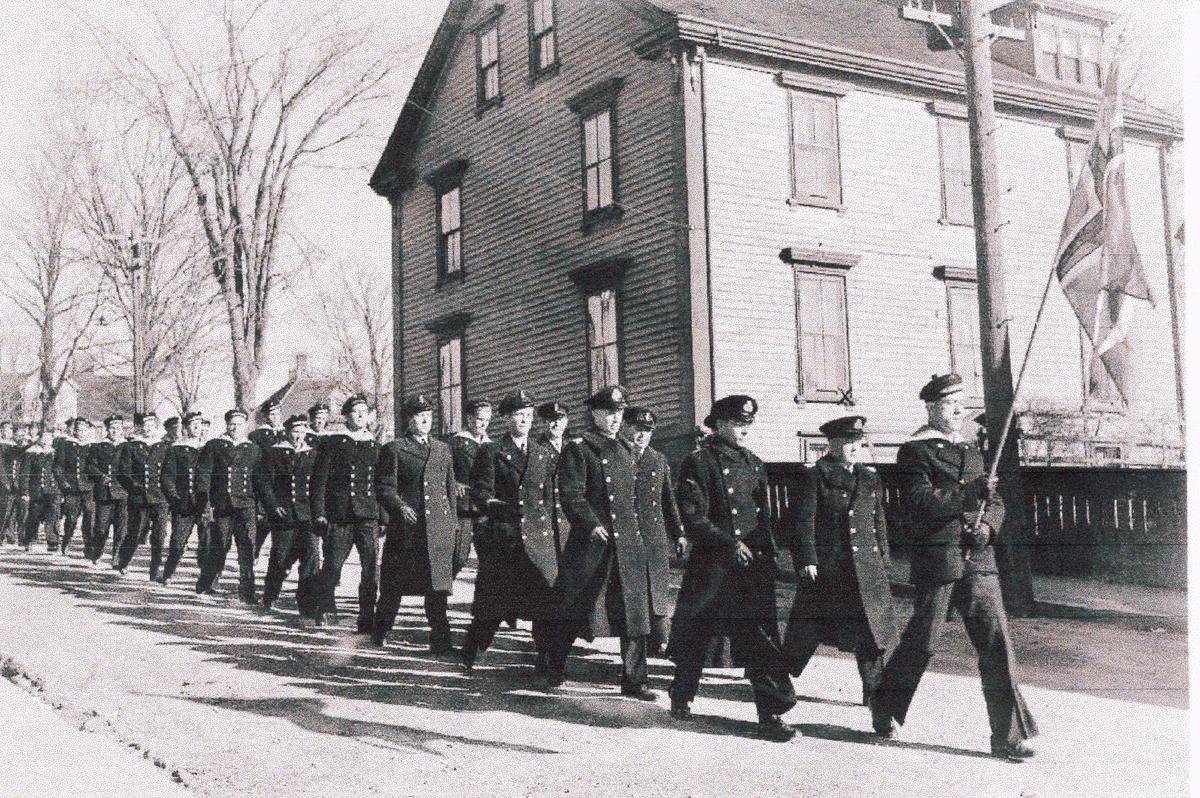 """"""" Camp Norway"""", Lunneburg, Nova Scotia, februar 1942.  Kronprins Olav og Kronprinsesse Martha på besøk. """"Kirkeparade"""""""