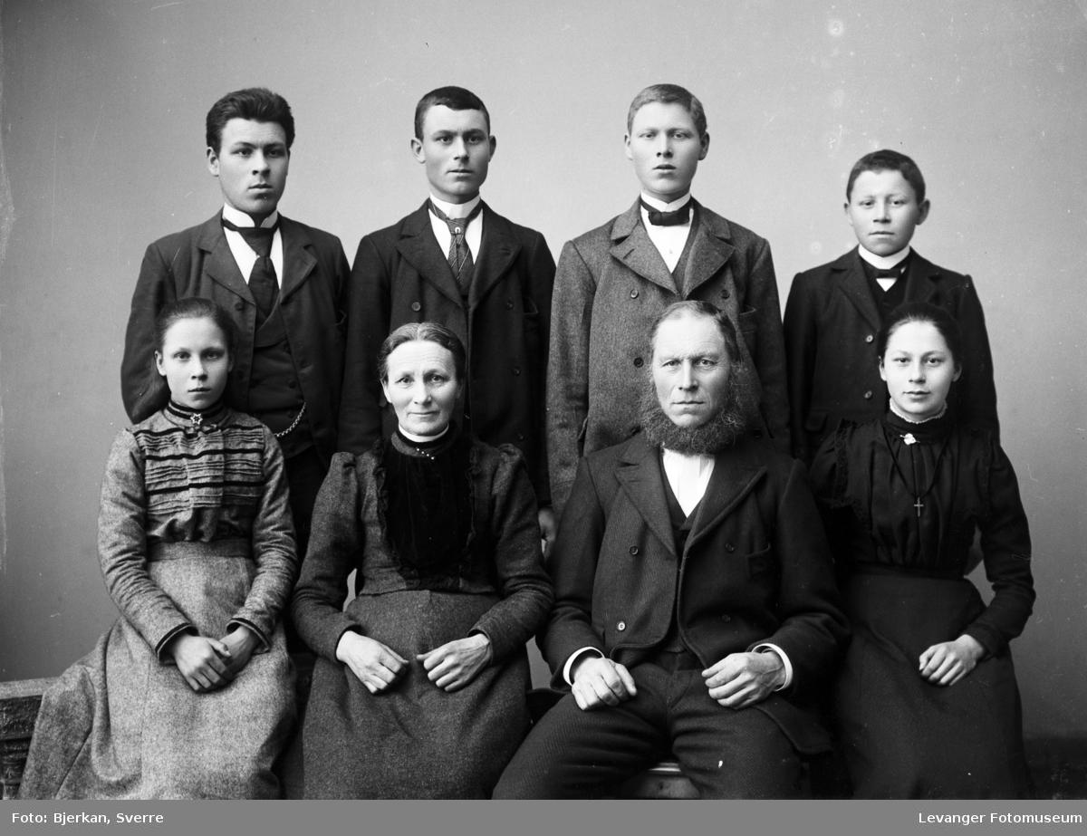 Familien Furunes.