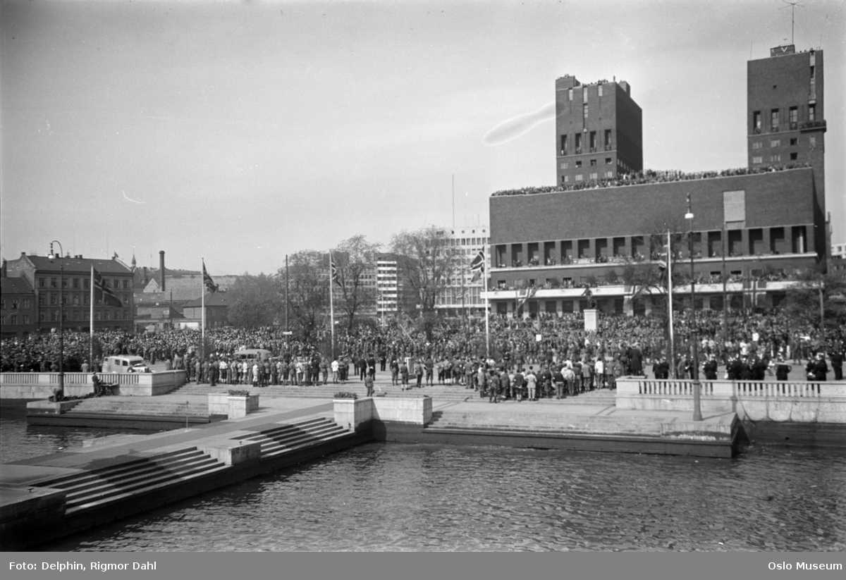 honnørbrygge, mennesker, flagg, Rådhuset, kontorbygninger, bygårder