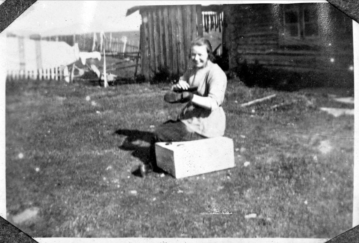 Kvinne seter, skopussing