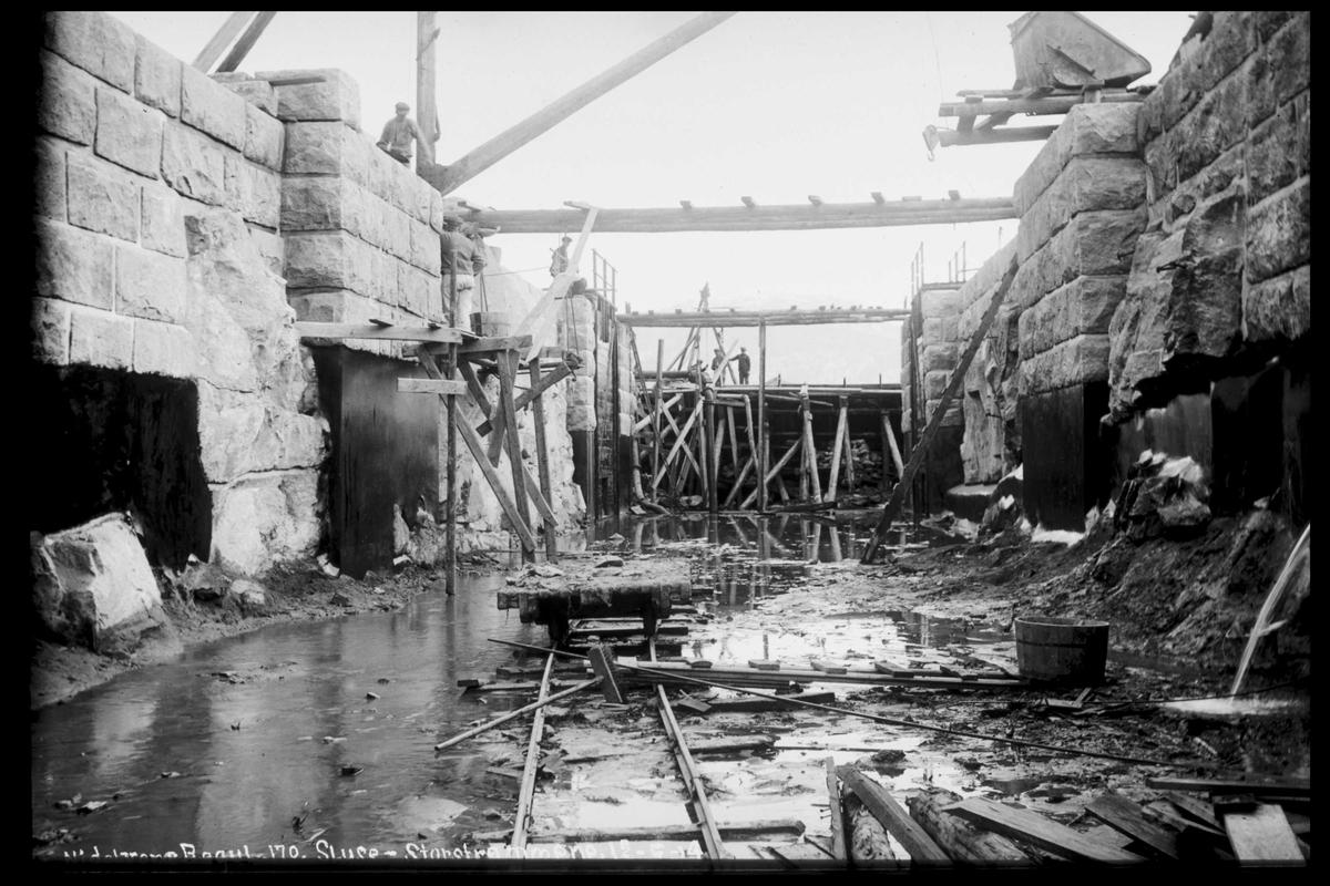 Arendal Fossekompani i begynnelsen av 1900-tallet CD merket 0474, Bilde: 58 Sted: Storstraumen Beskrivelse: Sluser