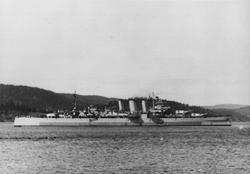 Krigsskip. Britisk krysser av County-klassen.