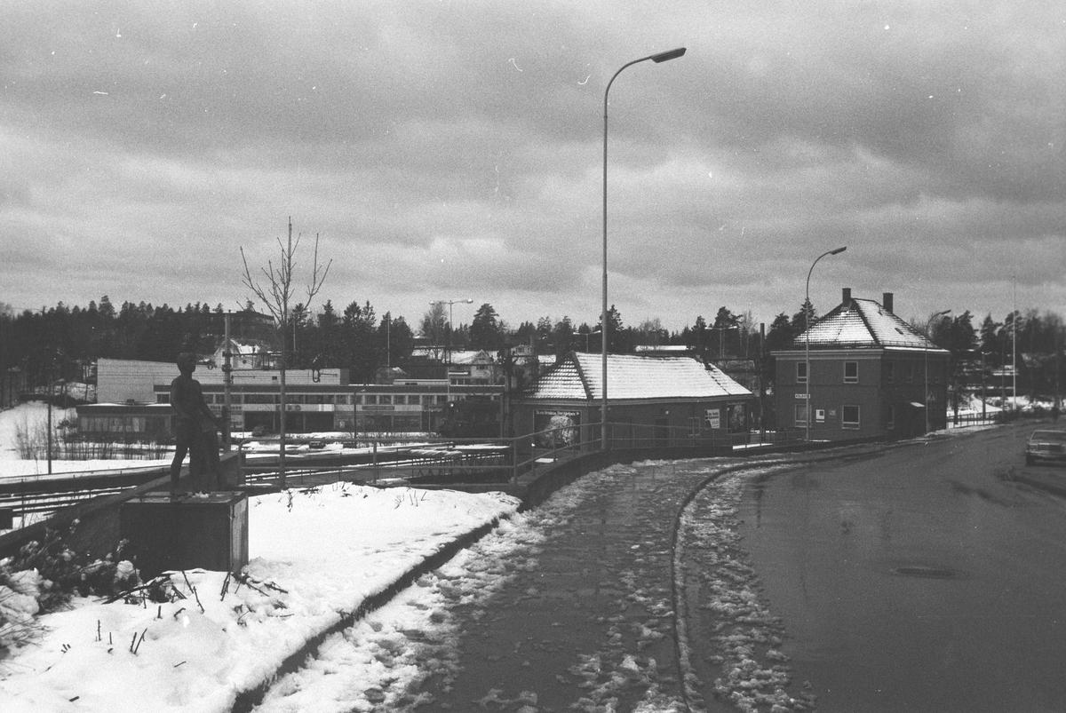 Kolbotnveien med Kolbotn Stasjon