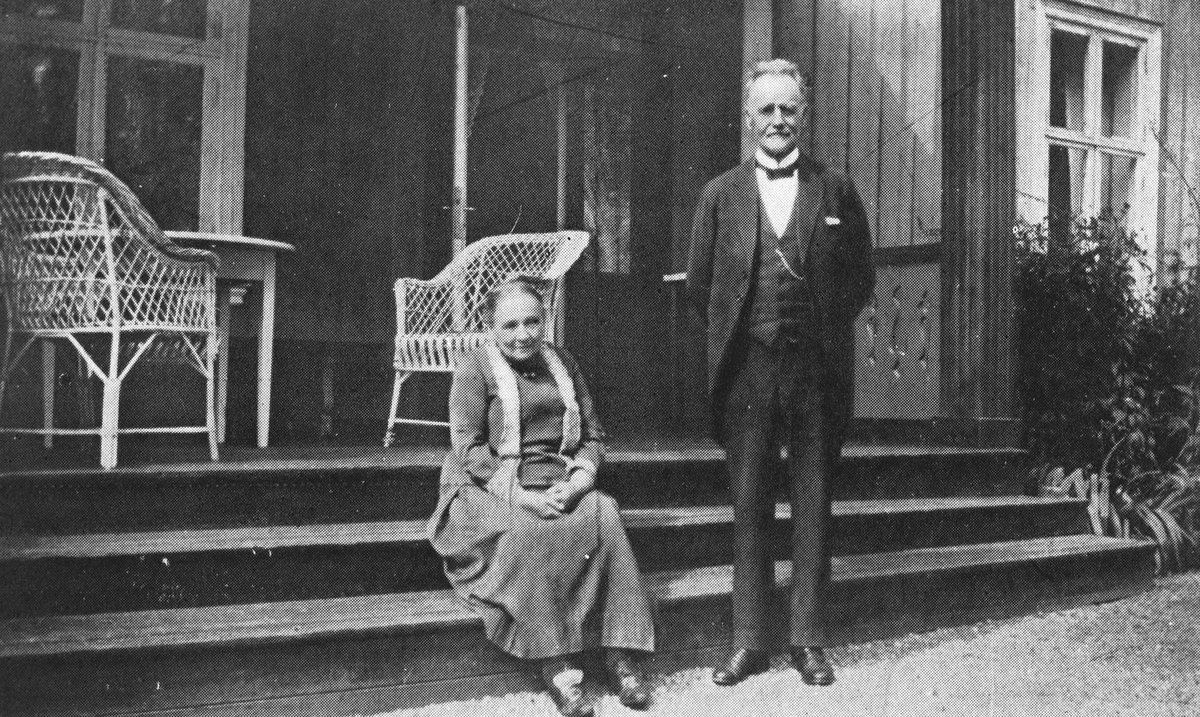 Emil Hansen og frue. Landhandleriet Sæterstøa.