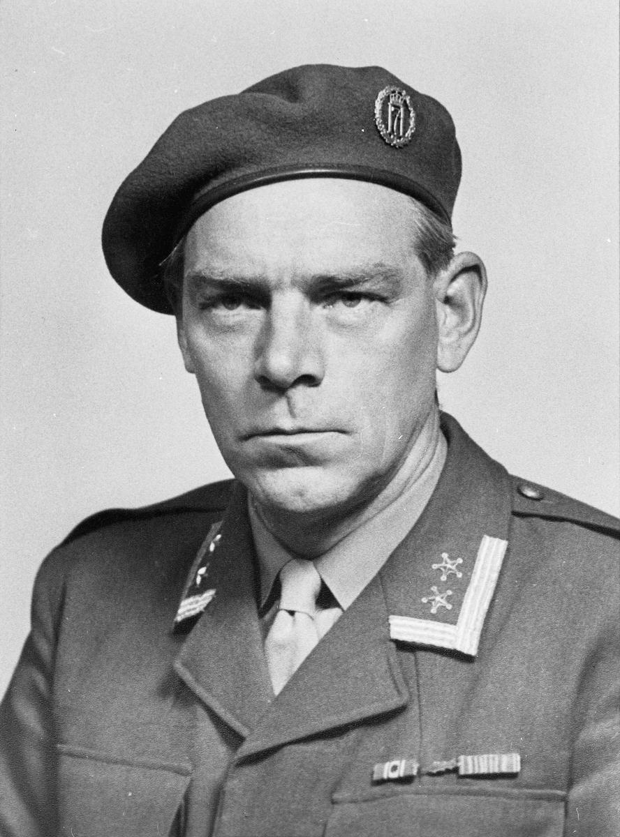 Mann i uniform.  02.12.2013: Oberstløytnant Bertil Bøhnsmoen Sjef på Kongsvinger på 1970 tallet Skrevet av: Bjørn O Karlsen